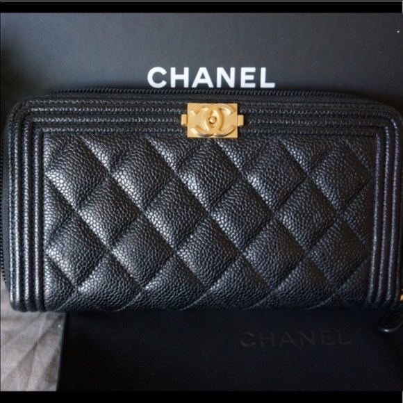 92f119ceb2 Chanel Long Wallet in Lambskin & Gold Tone Metal!